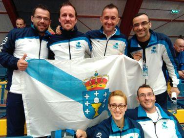 Pitu, Jorge, Alberto, Dani, Sofia y Sergio. Los judokas y técnicos de A.D. Judo Ferrolterra participaron el el Mundial de Veteranos 2015