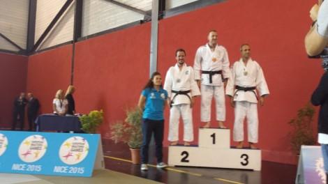 Jorge Diaz del Rio en el podium de los III Juegos Europeos de Veteranos, en la disciplina de Judo, categoría M2-73kg