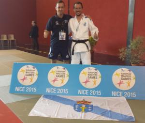 Jorge Diaz del Rio y Alberto Castro (tecnico), posando con la medalla