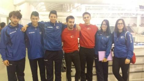 Moisés, Xiao, Jorge, Adrián, Román, Teresa (psicóloga) y Alba, antes de la competición en la primera jornada del XV Villa de Avilés
